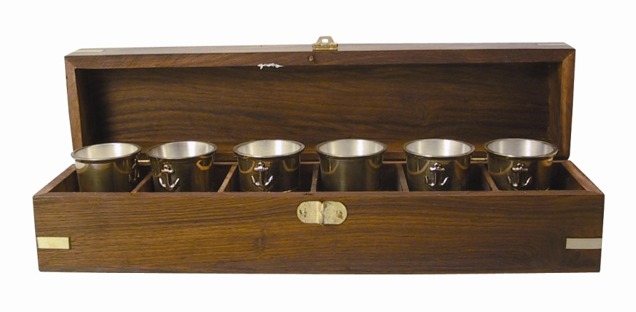 LIQUEUR GLASSES IN WOODEN BOX - 6 PIECES